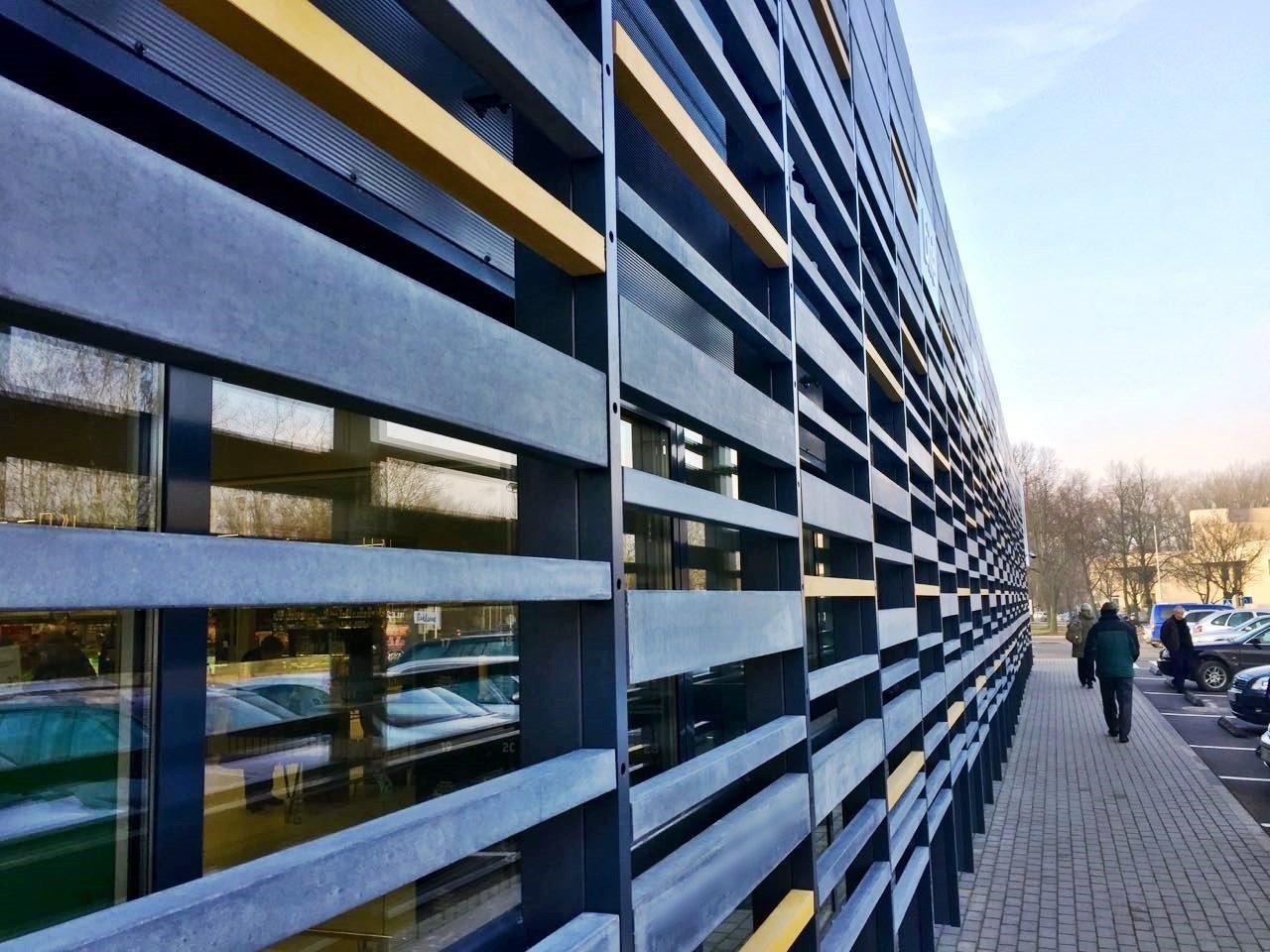 Betoninių bagečių fasadas Tuščiavidurės bagetės 50x50x1200mm 132x50x1200mm 300x50x1200mm Spalvos - geltona, pilka Paviršius - natūralus, impregnuotas