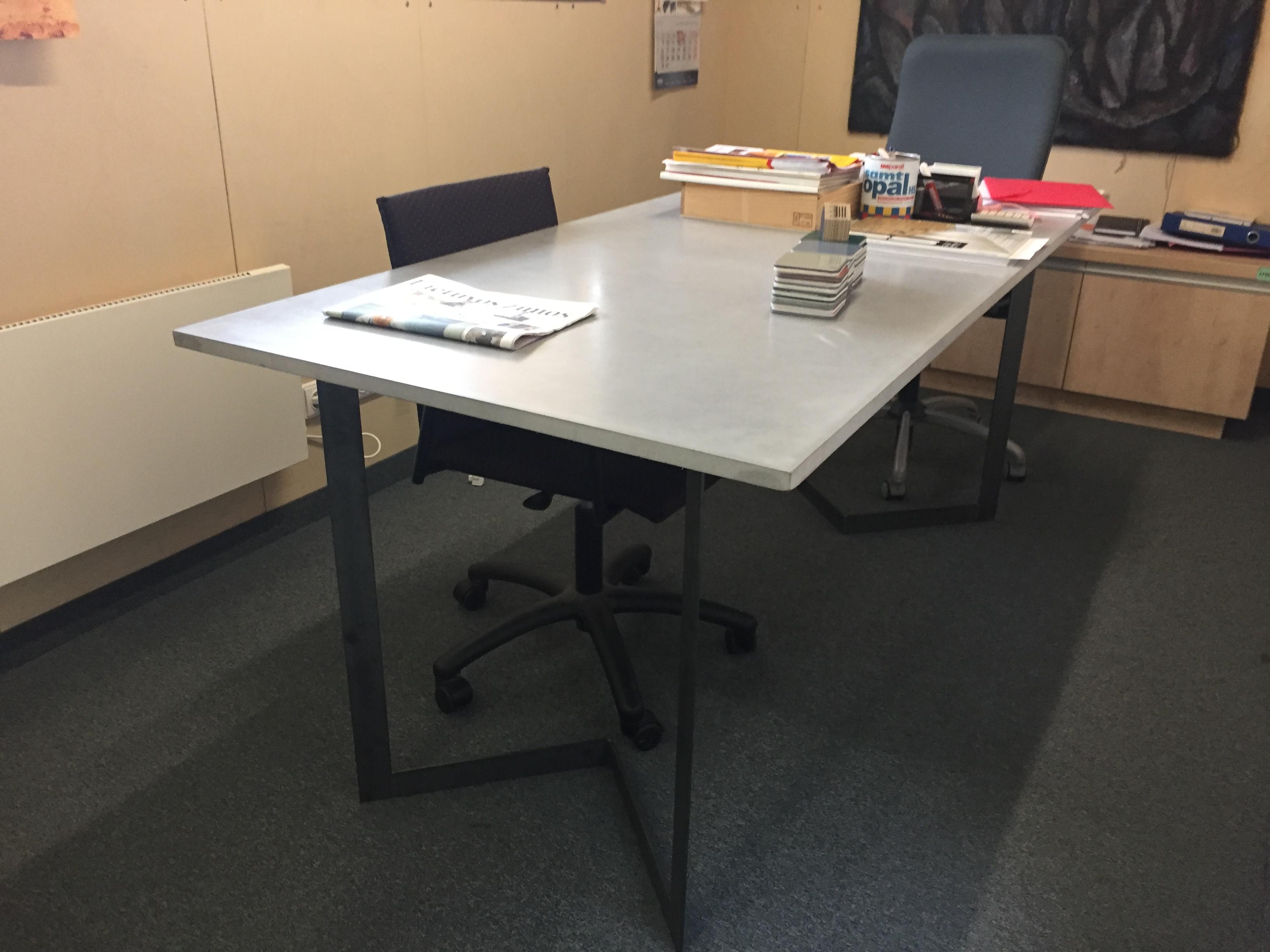 Biuro stalas Matmenys - 2500x800x20mm Paviršius - natūralus, impregnuotas